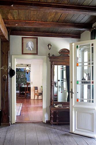 Stare lustro w sieni